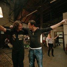 Moritz Bleibtreu e Adam Bousdoukos in un'immagine del film Soul Kitchen