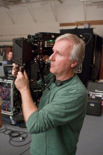 Una immagine di James Cameron sul set del suo Avatar