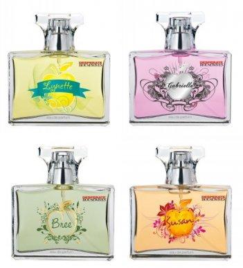Desperate Housewives: i quattro flaconi di profumo dedicati alle protagoniste della serie: Susan, Lynette, Gabrielle e Bree.
