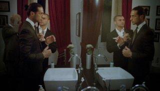 Fabrizio Corona in una scena del documentario Videocracy