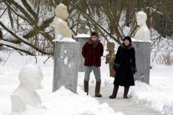 Michele Riondino e Isabella Ragonese in un'immagine del film Dieci inverni