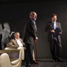 Roberto Herlitzka e Arnoldo Foà in una scena del film Le ombre rosse