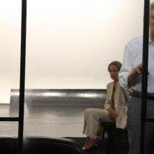 Lucia Poli e Roberto Herlitzka in una scena del film Le ombre rosse