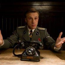 Christoph Waltz in una scena del film Bastardi senza gloria di Quentin Tarantino