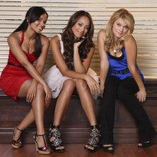 Dilshad Vadsaria, Spencer Grammer ed Amber Stevens in una immagine promozionale della stagione 3 di Greek - La confraternita