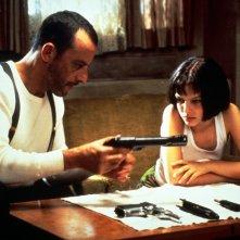 Jean Reno e Natalie Portman durante una scena del film 'Leon: The Professional'