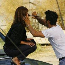 Jessica Alba al trucco sul set di Machete, di Robert Rodriguez