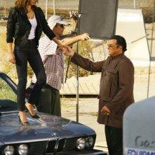 Jessica Alba sul set di Machete accanto a Steven Seagal