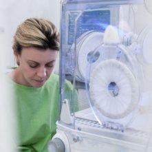 Margherita Buy in una sequenza del film Lo spazio bianco diretto da Francesca Comencini