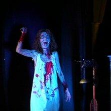Stefania Casini in una agghiacciante scena del film Suspiria (1977)