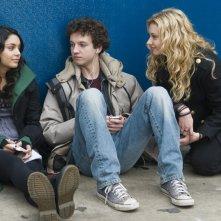 Vanessa Hudgens, Gaelan Connell e Aly Michalka in una scena del film High School Band