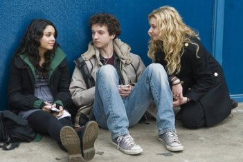 Vanessa Hudgens, Gaelan Connell e Aly Michalka in una scena del film High School Band
