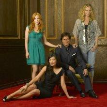 Eastwick, prima stagione: Lindsay Price, Rebecca Romijn e Jaime Ray Newman insieme a Paul Gross