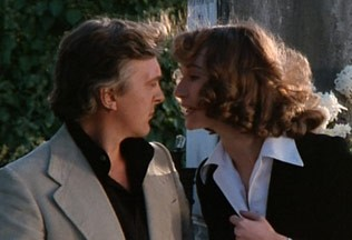 David Hemmings e Daria Nicolodi in una scena del film Profondo Rosso (1975)