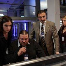 Ana Caterina Morariu, Stefano Fresi, Massimo Venturiello e Sandra Franzo in una scena di Intelligence