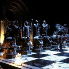 Emma Watson, Rupert Grint e Daniel Radcliffe sulla scacchiera gigante in una scena di Harry Potter e la Pietra Filosofale