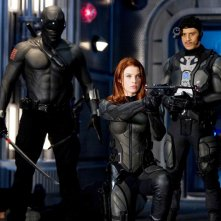 Ray Park, Rachel Nichols e Said Taghmaoui in una sequenza del film G.I. Joe: Rise of Cobra
