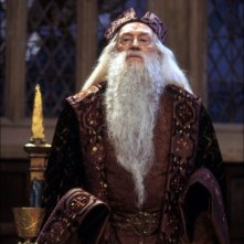 Richard Harris è Albus Silente in una sequenza del film Harry Potter e la Pietra Filosofale