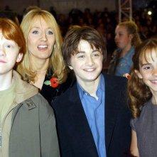 Rupert Grint, J.K. Rowling, Daniel Radcliffe ed Emma Watson alla premiere londinese del film Harry Potter e la pietra filosofale