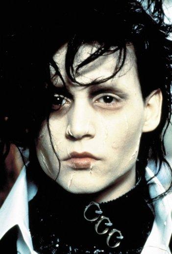 Foto promo in primo piano di Johnny Depp per il film Edward Mani di Forbice