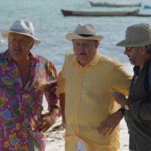 Massimo Boldi, Antonio Catania e Maurizio Mattioli in una scena del film tv Un coccodrillo per amico