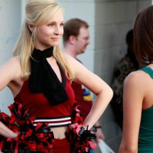 Candice Accola (Caroline Truitt) nell'episodio Friday Night Bites della serie The Vampire Diaries