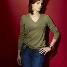 Stana Katic in un'immagine promozionale per la seconda stagione di Castle