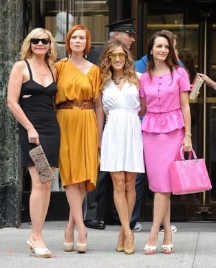 Le protagoniste di Sex and the City 2 sul set: Kim Cattrall, Kristin Davis, Sarah Jessica Parker e Cynthia Nixon.