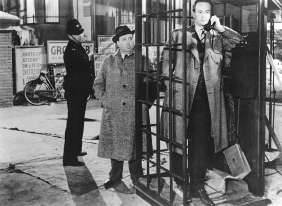 Alfred Hitchcock Fa Un Apparizione Nel Film Rebecca La Prima Moglie 1940 130333