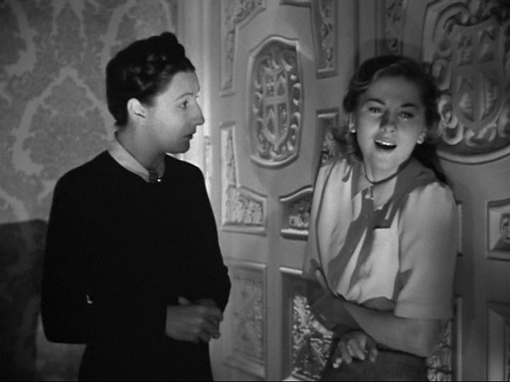 Judith Anderson E Joan Fontaine In Una Scena Drammatica Del Film Rebecca La Prima Moglie 130332