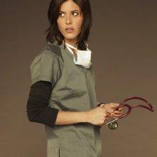 Katherine Moennig è la dottoressa Miranda Foster in una foto promozionale della serie Three Rivers