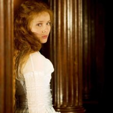 Rachel Hurd-Wood in una scena del film Dorian Gray
