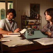 Riccardo Scamarcio e Giovanna Mezzogiorno in una scena del film La prima linea