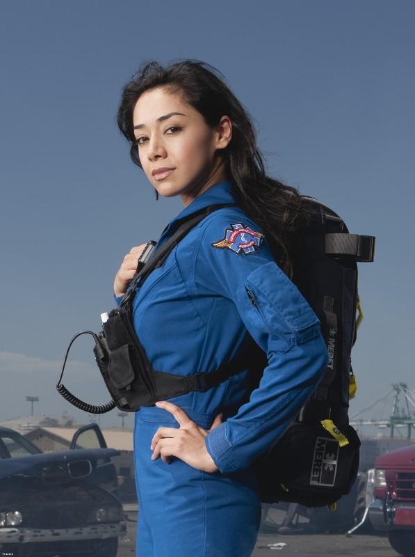 Aimee Garcia In Una Immagine Promozionale Della Serie Trauma 130466