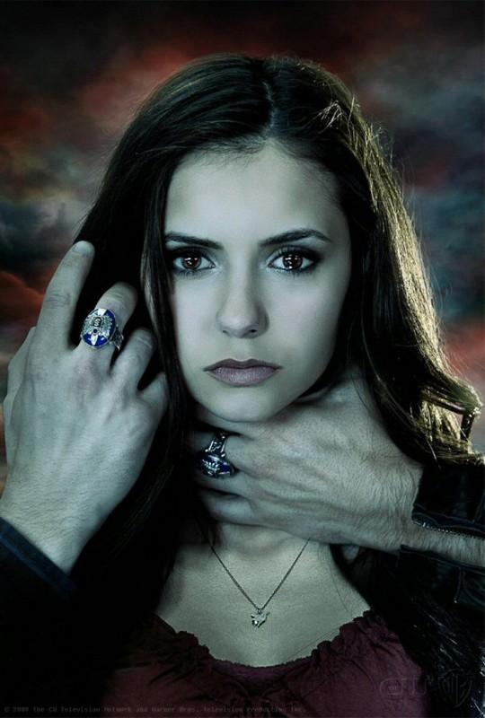Nina Dobrev in una immagine promozionale di The Vampire Diaries