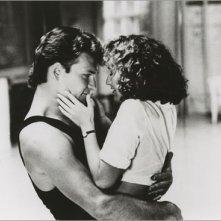 Patrick Swayze e Jennifer Grey in una sensuale immagine di Dirty Dancing