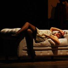 Una sensuale Matilde Dondena in scena con \'Gangster a Broadway\'.