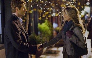 Aaron Eckhart e Jennifer Aniston in una scena di Love Happens