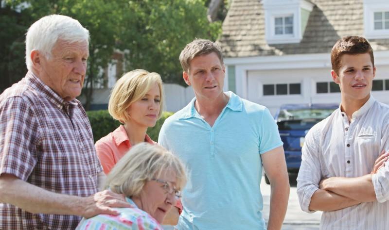 Desperate Housewives Kathryn Joosten Con Felicity Huffman Con Doug Savant E Max Carver In Still Alive Episodio Della Sesta Stagione 130877