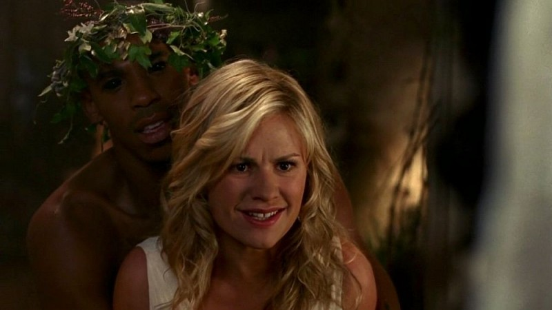 Mehcad Brooks E Anna Paquin In Una Scena Dell Episodio Beyond Here Lies Nothin Della Serie Tv True Blood 130795