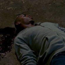 Mehcad Brooks in una scena dell'episodio 'Beyond Here Lies Nothin'' della serie True Blood