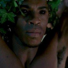 Mehcad Brooks in una scena dell'episodio 'Beyond Here Lies Nothin'' della serie tv True Blood