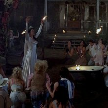 Michelle Forbes in una scena dell'episodio 'Beyond Here Lies Nothin'' della serie True Blood