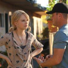 Taylor Swift e George Eads nell'episodio 'Turn, Turn, Turn' della nona stagione di CSI - Las Vegas