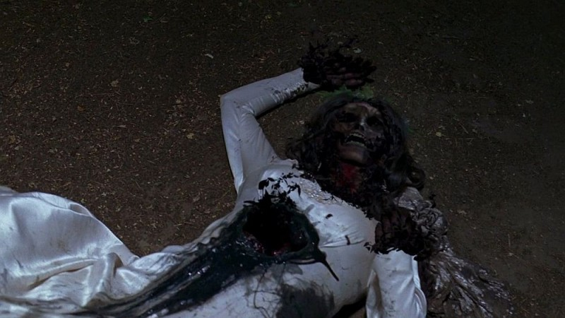 Un Immagine Dell Episodio Beyond Here Lies Nothin Della Serie Tv True Blood 130814
