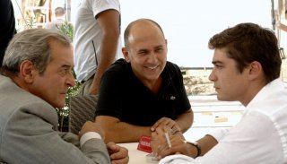 Ennio Fantastichini, Ferzan Ozpetek e Riccardo Scamarcio sul set di Mine vaganti