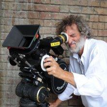 Il regista Renzo Martinelli sul set di Barbarossa