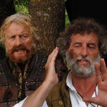 Rutger Hauer e il regista Renzo Martinelli sul set del film Barbarossa