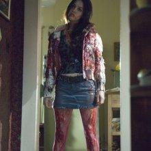 Jennifer Check (Megan Fox) coi vestiti insaguinati nel film 'Il corpo di Jennifer'
