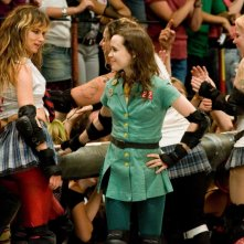 Juliette Lewis ed Ellen Page in una scena del film Whip It